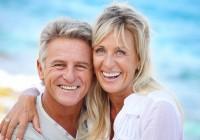 Schoene-Zaehne-im-Alter-Tipps-zur-richtigen-Zahnpflege